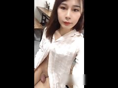 人妖露出 Sexy transvestite 张思妮 in the dining room to show his penis