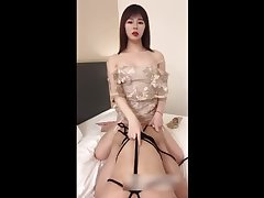人妖后入男 Sexy transvestite 张思妮 with a big penis thrusting from behind the man's anus