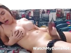 Gorgeous Tgirl Jerking Off